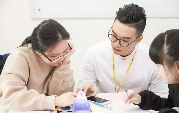 【学员故事】提高英语水平,更确定未来事