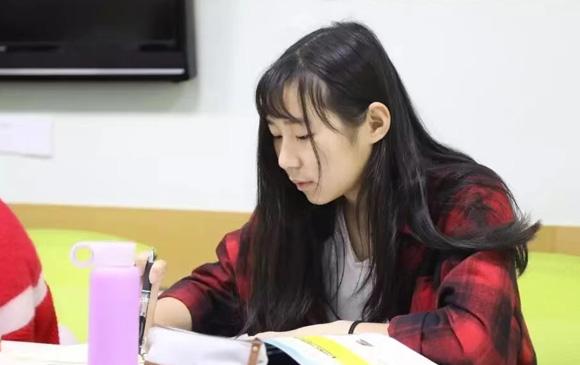 私塾女孩从害怕英语到无障碍沟通   平和英